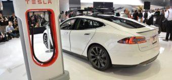 Elon Musk Talks Tesla, Apple, Model X